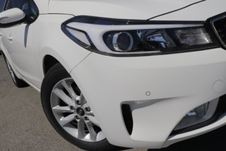 2016 Kia Cerato YD MY17 S Premium Clear White 6 Speed Sports Automatic Hatchback.