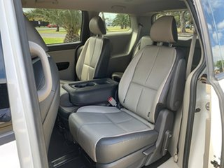 2018 Kia Carnival YP MY18 SLi White 6 Speed Sports Automatic Wagon