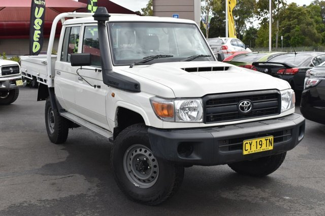 Used Toyota Landcruiser VDJ79R Workmate Double Cab Tuggerah, 2017 Toyota Landcruiser VDJ79R Workmate Double Cab White 5 Speed Manual Cab Chassis