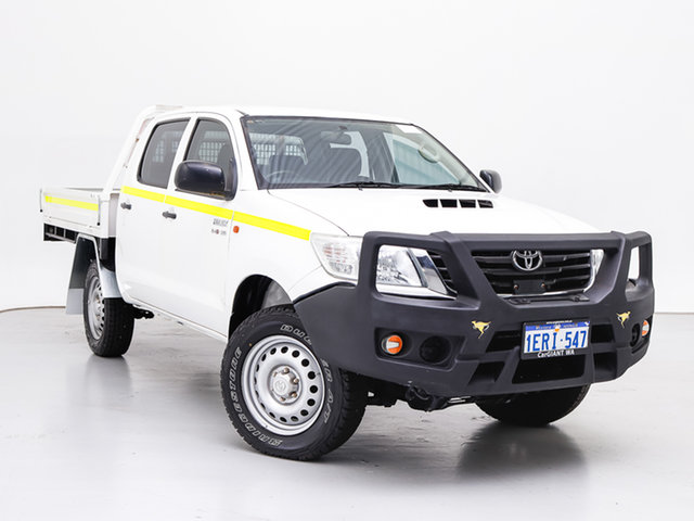 Used Toyota Hilux KUN26R MY14 SR (4x4), 2014 Toyota Hilux KUN26R MY14 SR (4x4) White 5 Speed Manual Dual Cab Chassis