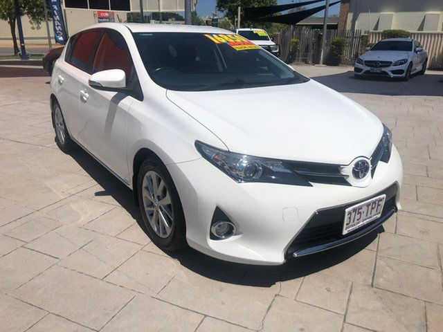 Used Toyota Corolla ZRE182R Ascent Sport Mundingburra, 2013 Toyota Corolla ZRE182R Ascent Sport White 6 Speed Manual Hatchback