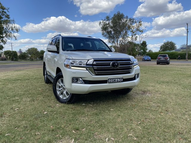 Used Toyota Landcruiser VDJ200R Sahara Moree, 2017 Toyota Landcruiser VDJ200R Sahara Crystal Pearl 6 Speed Sports Automatic Wagon