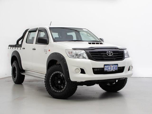 Used Toyota Hilux KUN26R MY14 SR (4x4), 2014 Toyota Hilux KUN26R MY14 SR (4x4) White 5 Speed Manual Dual Cab Chassis