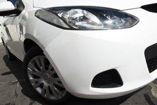 2009 Mazda 2 DE10Y1 Neo Crystal White 5 Speed Manual Hatchback.