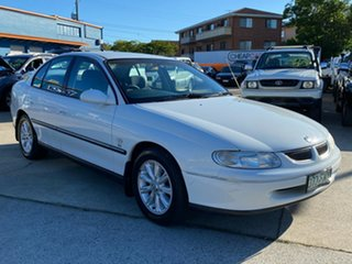 2000 Holden Commodore VT II Executive White 4 Speed Automatic Sedan.