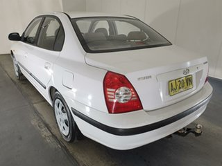 2006 Hyundai Elantra XD MY05 FX 2.0 HVT White 5 Speed Manual Sedan
