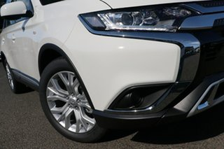 2020 Mitsubishi Outlander ZL MY21 ES 2WD White 5 Speed Manual Wagon.