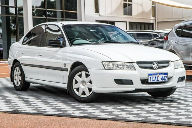 Used Holden Commodore VZ Executive Attadale, 2004 Holden Commodore VZ Executive White 4 Speed Automatic Sedan