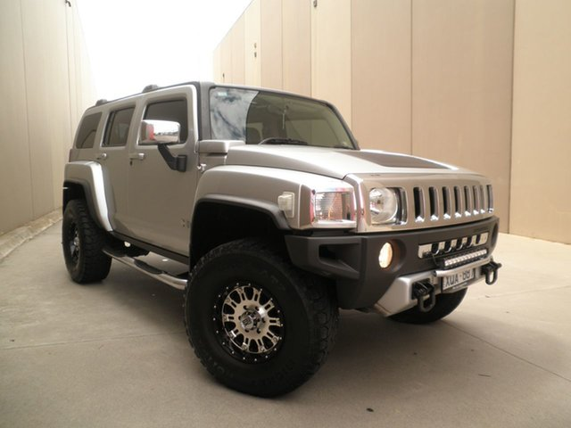 Used Hummer H3 Luxury Cheltenham, 2009 Hummer H3 Luxury Black & Silver & Chrome 4 Speed Automatic Wagon
