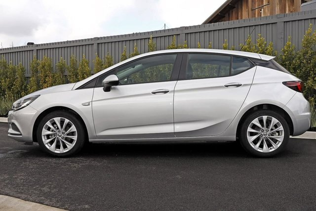 Used Holden Astra BK MY18.5 R+ Essendon Fields, 2018 Holden Astra BK MY18.5 R+ Silver 6 Speed Sports Automatic Hatchback