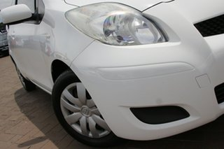 2010 Toyota Yaris NCP90R MY10 YR White 4 Speed Automatic Hatchback.