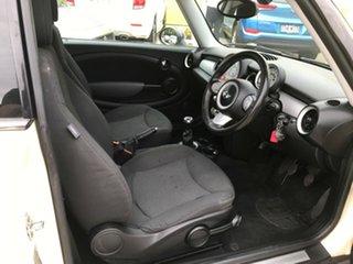2009 Mini Cooper R56 White 6 Speed Manual Hatchback.