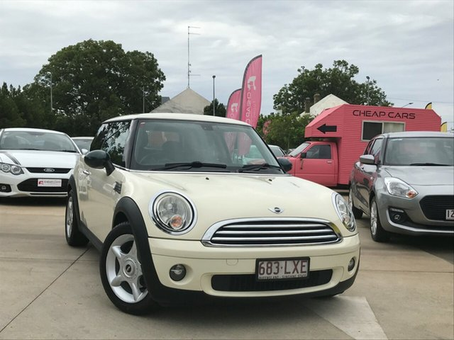 Used Mini Cooper R56 Toowoomba, 2009 Mini Cooper R56 White 6 Speed Manual Hatchback