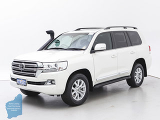 2018 Toyota Landcruiser VDJ200R MY16 Sahara (4x4) White 6 Speed Automatic Wagon.