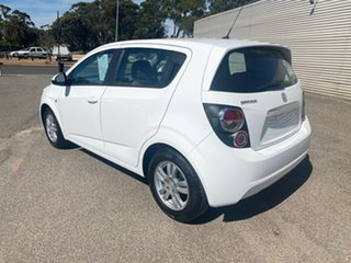 2016 Holden Barina TM MY16 CD White 6 Speed Automatic Hatchback