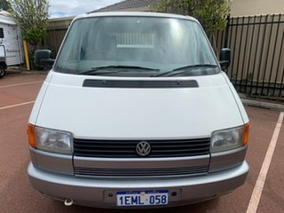1993 Volkswagen Caravelle White Automatic Motor Camper.
