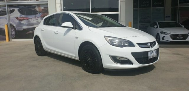 Used Opel Astra AS Select Ravenhall, 2013 Opel Astra AS Select White 6 Speed Manual Hatchback