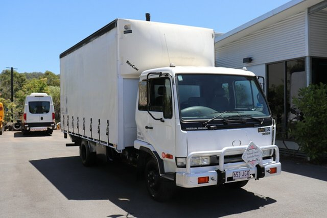 Used Nissan UD Robina, 2001 Nissan UD White Manual Truck
