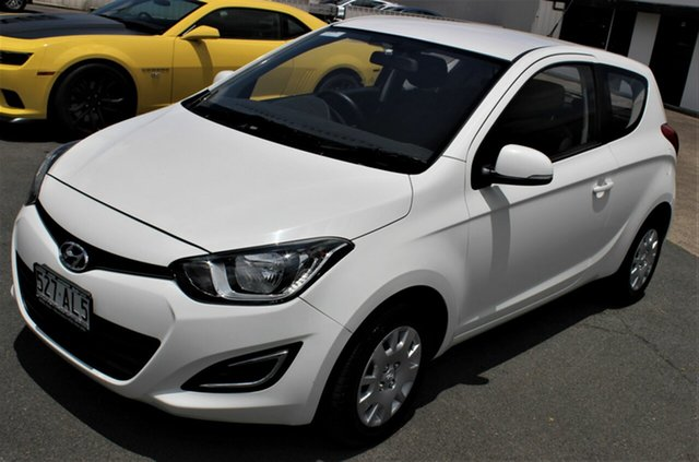Used Hyundai i20 PB MY14 Active Moorooka, 2013 Hyundai i20 PB MY14 Active White 6 Speed Manual Hatchback