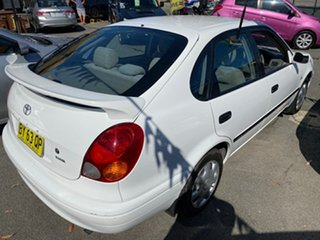 2001 Toyota Corolla ZZE122R Ascent White 4 Speed Automatic Sedan.