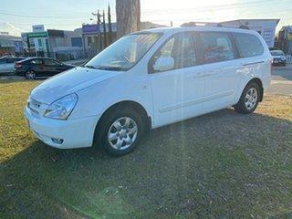 2008 Kia Grand Carnival VQ MY07 EX White 5 Speed Sports Automatic Wagon.