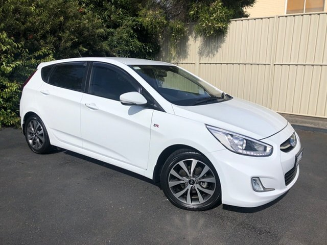 Used Hyundai Accent RB4 MY17 SR Devonport, 2017 Hyundai Accent RB4 MY17 SR Crystal White 6 Speed Sports Automatic Hatchback