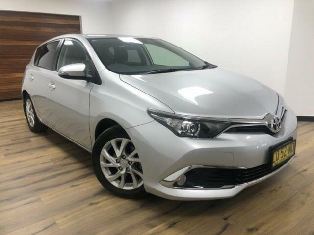 Used Toyota Corolla ZRE182R MY17 Ascent Sport Wangaratta, 2018 Toyota Corolla ZRE182R MY17 Ascent Sport Silver Pearl 7 Speed CVT Auto Sequential Hatchback