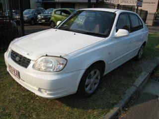 2006 Hyundai Accent LS 1.6 White 4 Speed Automatic Hatchback.