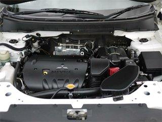 2010 Mitsubishi Outlander ZH MY10 LS White 6 Speed CVT Auto Sequential Wagon