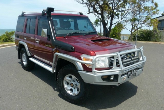 Used Toyota Landcruiser VDJ76R MY13 GXL Gladstone, 2014 Toyota Landcruiser VDJ76R MY13 GXL Red 5 Speed Manual Wagon