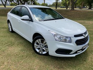 2015 Holden Cruze JH Series II MY15 Equipe 5 Speed Manual Sedan.
