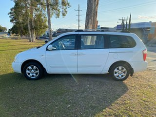 2008 Kia Grand Carnival VQ MY07 EX White 5 Speed Sports Automatic Wagon.