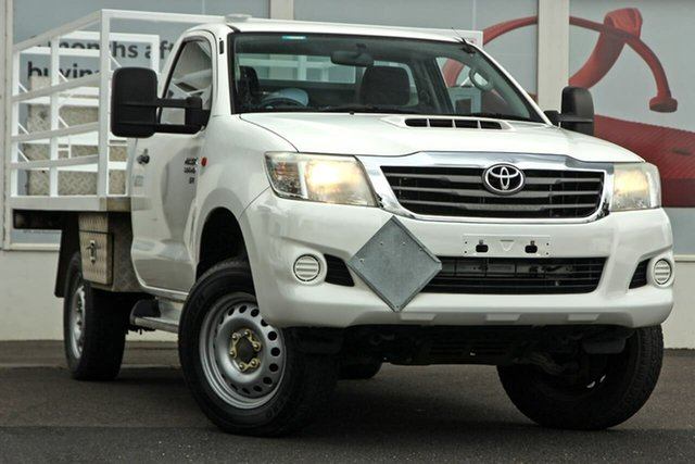 Pre-Owned Toyota Hilux KUN26R MY14 SR Ferntree Gully, 2014 Toyota Hilux KUN26R MY14 SR White 5 Speed Automatic Cab Chassis