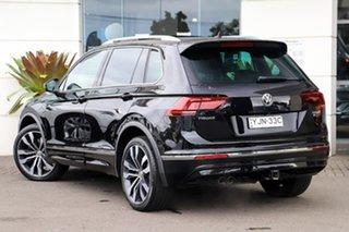 2016 Volkswagen Tiguan 5N MY17 140TDI DSG 4MOTION Highline Pearl Black 7 Speed.