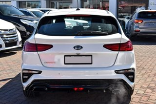 2020 Kia Cerato Hatch S Snow White Pearl Sports Automatic Hatchback.