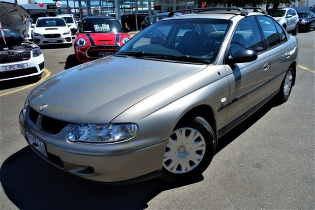 Used Holden Commodore VX Executive Seaford, 2001 Holden Commodore VX Executive Gold 4 Speed Automatic Sedan