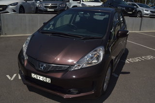 2013 Honda Jazz Vibe-S Brown 5 Speed Automatic Hatchback.