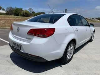 2013 Holden Commodore VF MY14 Evoke White 6 Speed Sports Automatic Sedan