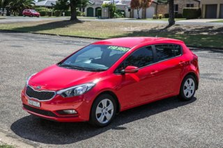 2016 Kia Cerato YD MY16 S Racing Red 6 Speed Manual Hatchback.