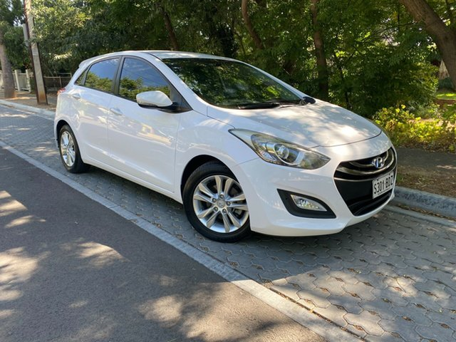 Used Hyundai i30 GD2 MY14 SE Hawthorn, 2014 Hyundai i30 GD2 MY14 SE White 6 Speed Sports Automatic Hatchback