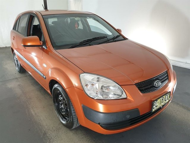 Used Kia Rio JB MY09 LX Maryville, 2009 Kia Rio JB MY09 LX Orange 5 Speed Manual Hatchback