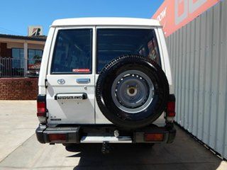 2006 Toyota Landcruiser HZJ78R Troopcarrier White 5 Speed Manual Wagon