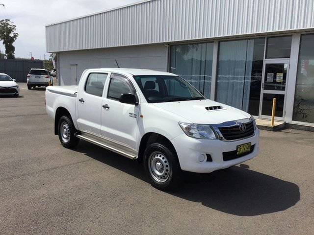 Pre-Owned Toyota Hilux KUN26R MY14 SR Double Cab Cardiff, 2014 Toyota Hilux KUN26R MY14 SR Double Cab White 5 Speed Automatic Utility