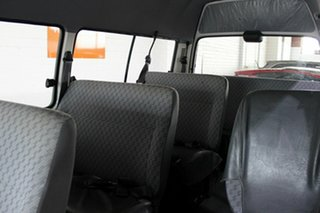 2001 Toyota HiAce RZH125R Commuter Super LWB White 4 Speed Automatic Bus
