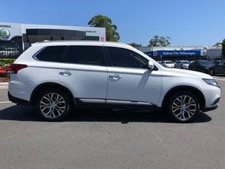 2016 Mitsubishi Outlander ZK MY17 Exceed 4WD White 6 Speed Constant Variable Wagon.