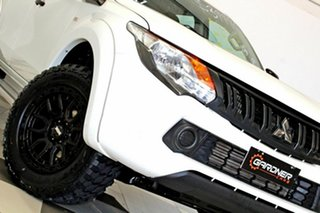 2016 Mitsubishi Triton MQ MY16 Upgrade GLX (4x4) White 5 Speed Automatic Dual Cab Utility.