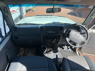 2011 Toyota Landcruiser Workmate Troopcarrier White 5 Speed Manual Motor Camper