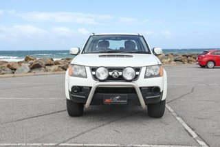 2010 Holden Colorado RC MY10 LX Crew Cab White 5 Speed Manual Utility.