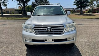 2007 Toyota Landcruiser UZJ200R VX Silver 5 Speed Sports Automatic Wagon.