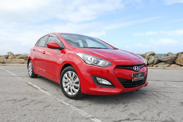 Used Hyundai i30 GD Active Lonsdale, 2013 Hyundai i30 GD Active Red 6 Speed Manual Hatchback